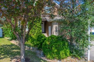 Photo 3: 117 Riverview Place SE in Calgary: Riverbend Detached for sale : MLS®# A1129235