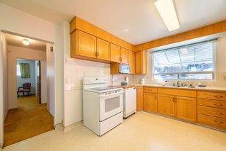 Photo 9: 30 Roselawn Crescent NW in Calgary: Rosemont Detached for sale : MLS®# A1098452