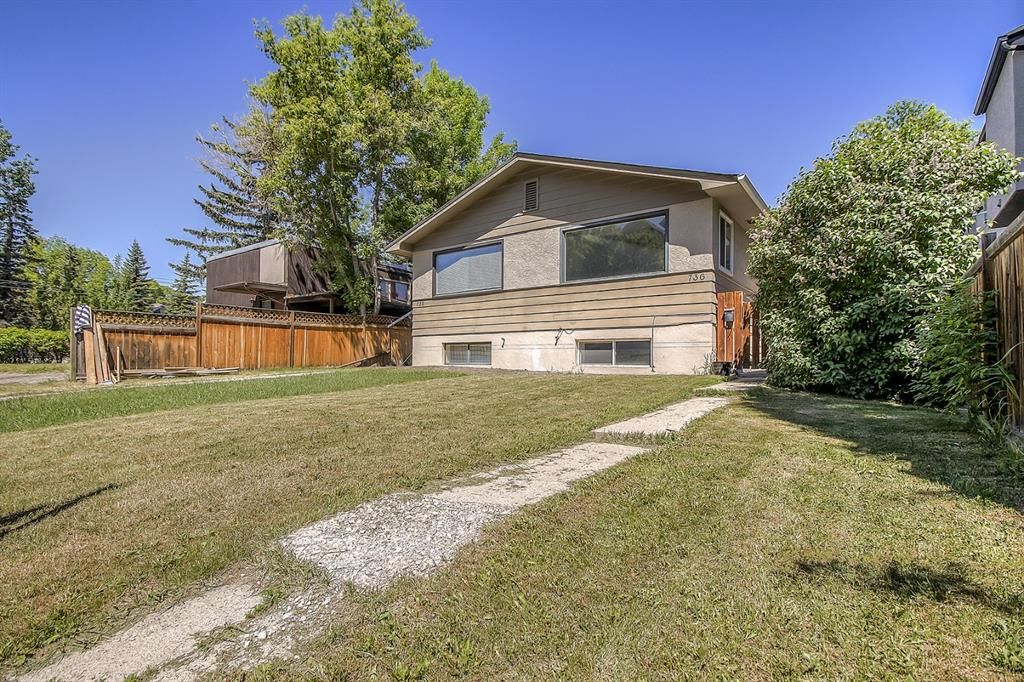 Main Photo: 736 56 Avenue SW in Calgary: Windsor Park Semi Detached for sale : MLS®# A1109274