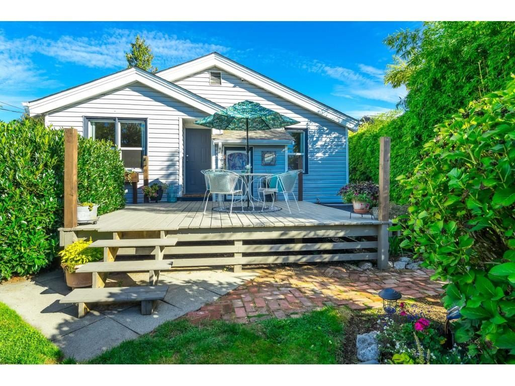 Main Photo: 33582 7 Avenue in Mission: Mission BC House for sale : MLS®# R2620770