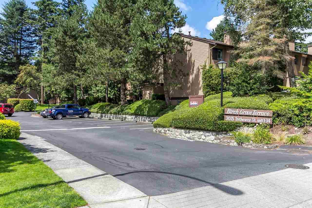 """Main Photo: 33 3015 TRETHEWEY Street in Abbotsford: Abbotsford West Townhouse for sale in """"Birch Grove Terrace"""" : MLS®# R2142116"""