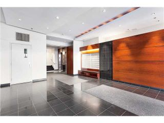 Photo 2: # 201 2655 CRANBERRY DR in Vancouver: Kitsilano Condo for sale (Vancouver West)  : MLS®# V1036126