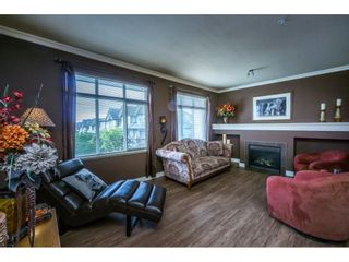 """Photo 9: 1 19932 70 Avenue in Langley: Willoughby Heights Townhouse for sale in """"SUMMERWOOD"""" : MLS®# R2162359"""