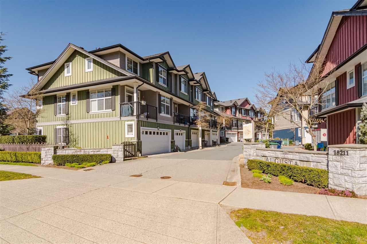 """Main Photo: #4 18211 70 Avenue in Surrey: Cloverdale BC Townhouse for sale in """"Augusta Walk"""" (Cloverdale)  : MLS®# R2453483"""