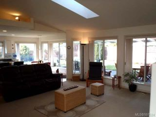 Photo 2: 780 Windward Pl in QUALICUM BEACH: PQ Qualicum Beach House for sale (Parksville/Qualicum)  : MLS®# 597524