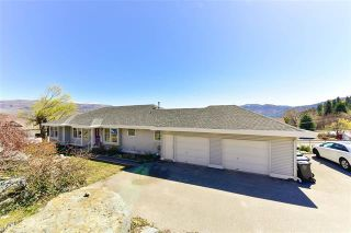 Photo 2: 6093 Ellison Avenue, in Peachland: House for sale : MLS®# 10239343