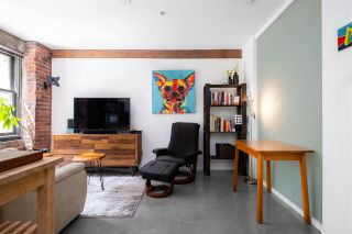 """Photo 3: 212 388 W 1ST Avenue in Vancouver: False Creek Condo for sale in """"The Exchange"""" (Vancouver West)  : MLS®# R2478234"""