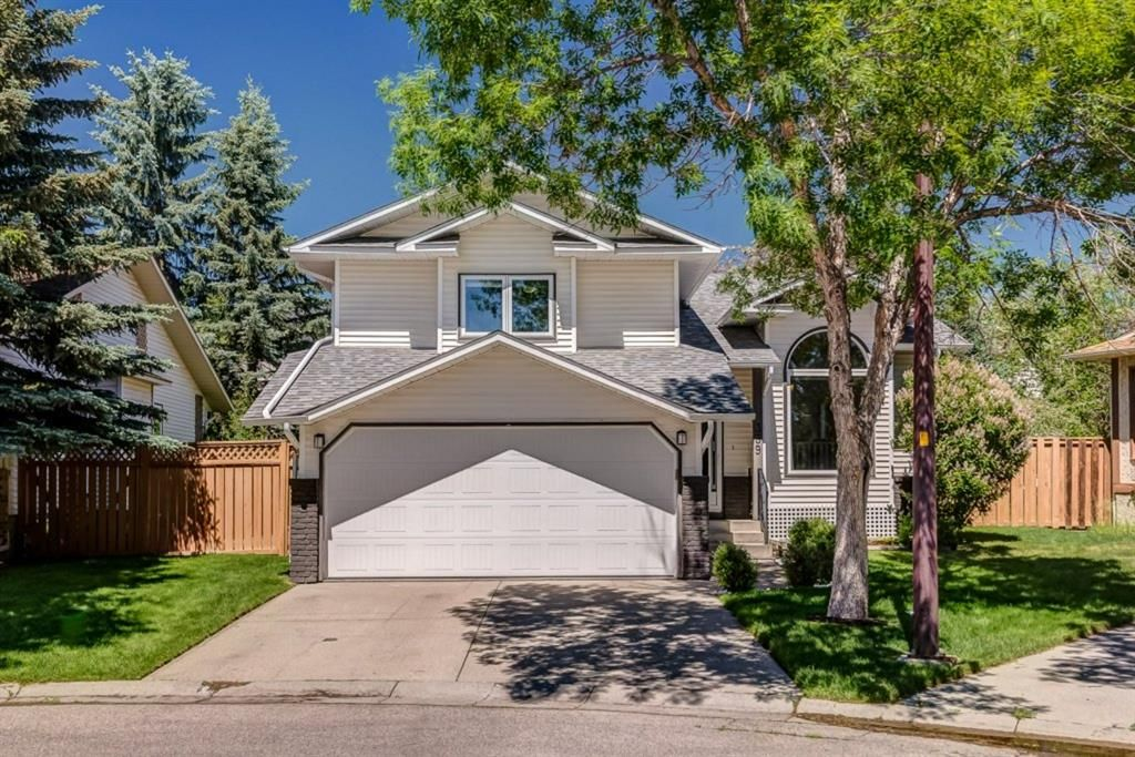 Updated family home located on a quiet cul-de-sac