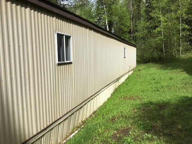 "Photo 17: Photos: 30 3656 HILBORN Road in Quesnel: Quesnel - Rural North Manufactured Home for sale in ""PARK VILLAGE TRAILER PARK"" (Quesnel (Zone 28))  : MLS®# R2437921"