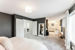Photo 22: 53 Crestmont Drive SW in Calgary: Crestmont Detached for sale : MLS®# A1118575