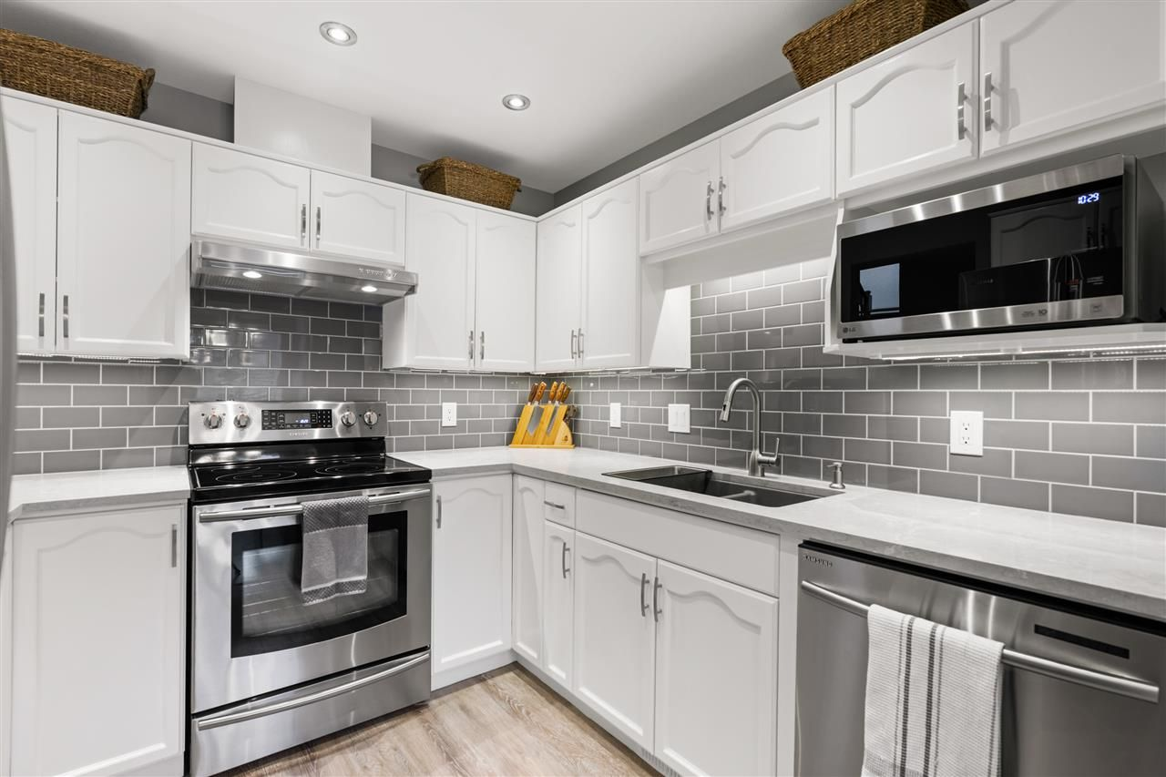 """Main Photo: 3 11875 210 Street in Maple Ridge: West Central Townhouse for sale in """"WESTSIDE MANOR"""" : MLS®# R2553682"""