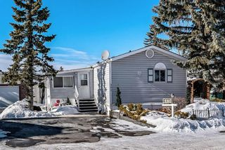 Photo 1: 301 Burroughs Circle NE in Calgary: Monterey Park Mobile for sale : MLS®# A1070742