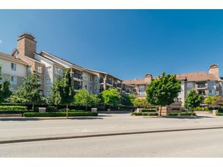"""Photo 2: 113 8915 202 Street in Langley: Walnut Grove Condo for sale in """"THE HAWTHORNE"""" : MLS®# R2444586"""