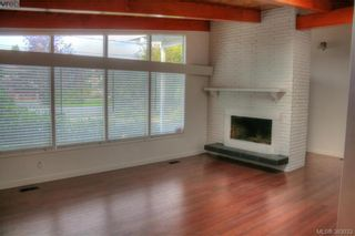 Photo 2: 1885 Feltham Rd in VICTORIA: SE Lambrick Park House for sale (Saanich East)  : MLS®# 769790