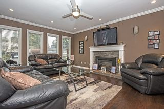 Photo 3: 442 DRAYCOTT Street in Coquitlam: Central Coquitlam House for sale : MLS®# R2027987