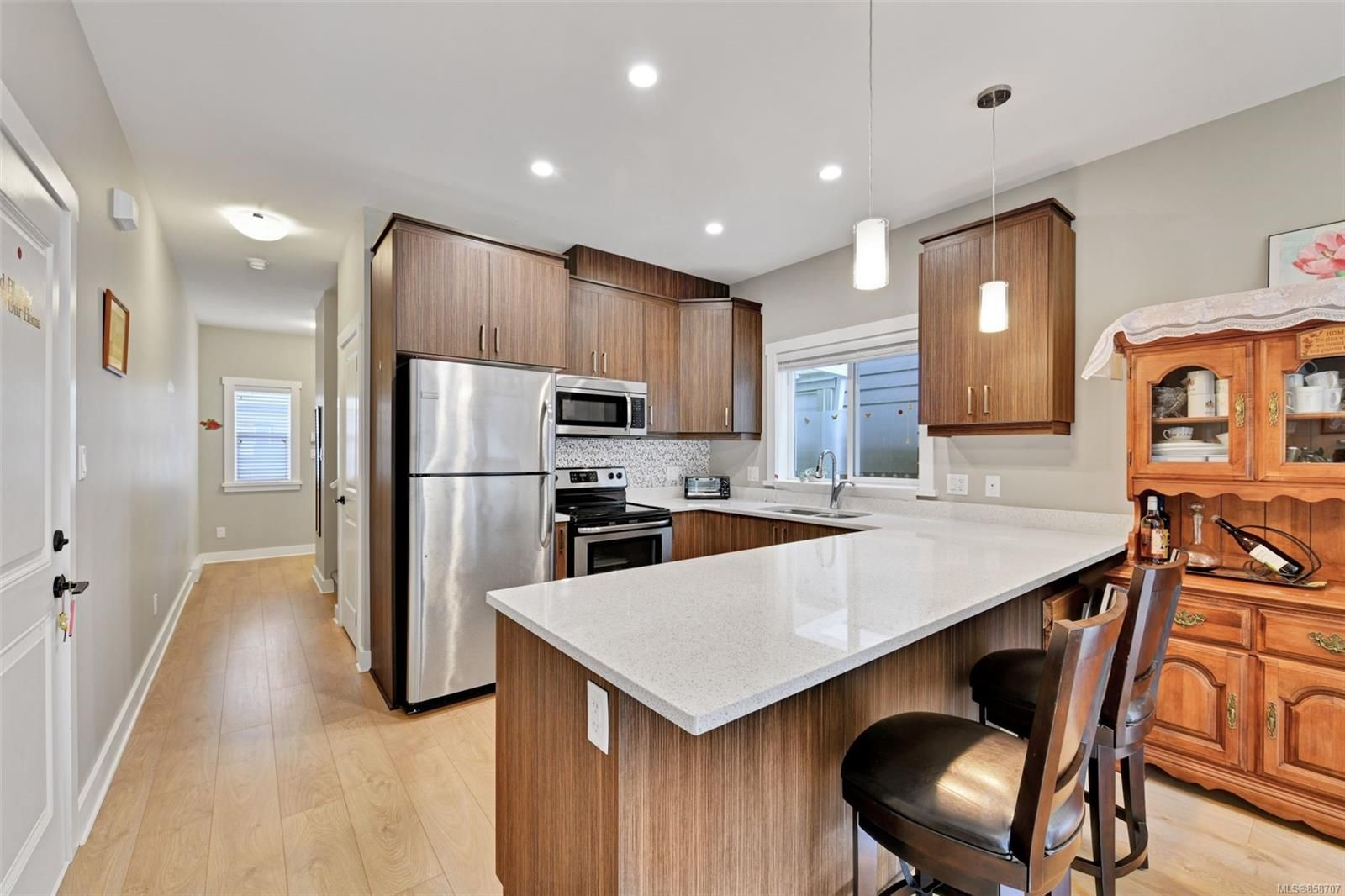 Photo 7: Photos: 1262 McLeod Pl in : La Happy Valley House for sale (Langford)  : MLS®# 858707