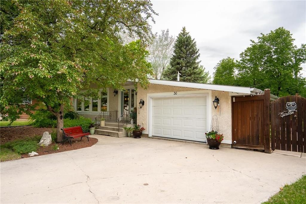 Main Photo: 36 Pine Crescent in Steinbach: Woodlawn Residential for sale (R16)  : MLS®# 202114812
