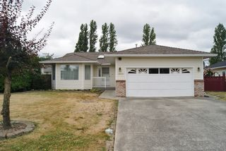 Photo 1: 19217 59A Avenue in Surrey: Cloverdale BC House for sale (Cloverdale)  : MLS®# R2294637