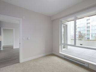 """Photo 17: 104 1768 GILMORE Avenue in Burnaby: Brentwood Park Condo for sale in """"Escala"""" (Burnaby North)  : MLS®# R2398729"""