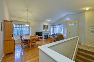 """Photo 6: 10 5240 OAKMOUNT Crescent in Burnaby: Oaklands Townhouse for sale in """"Santa Clara"""" (Burnaby South)  : MLS®# R2622975"""