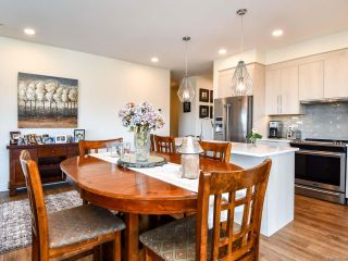 Photo 9: 301 2777 North Beach Dr in CAMPBELL RIVER: CR Campbell River North Condo for sale (Campbell River)  : MLS®# 800006