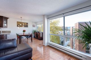 """Photo 2: 401 1508 MARINER Walk in Vancouver: False Creek Condo for sale in """"MARINER POINT"""" (Vancouver West)  : MLS®# R2573936"""