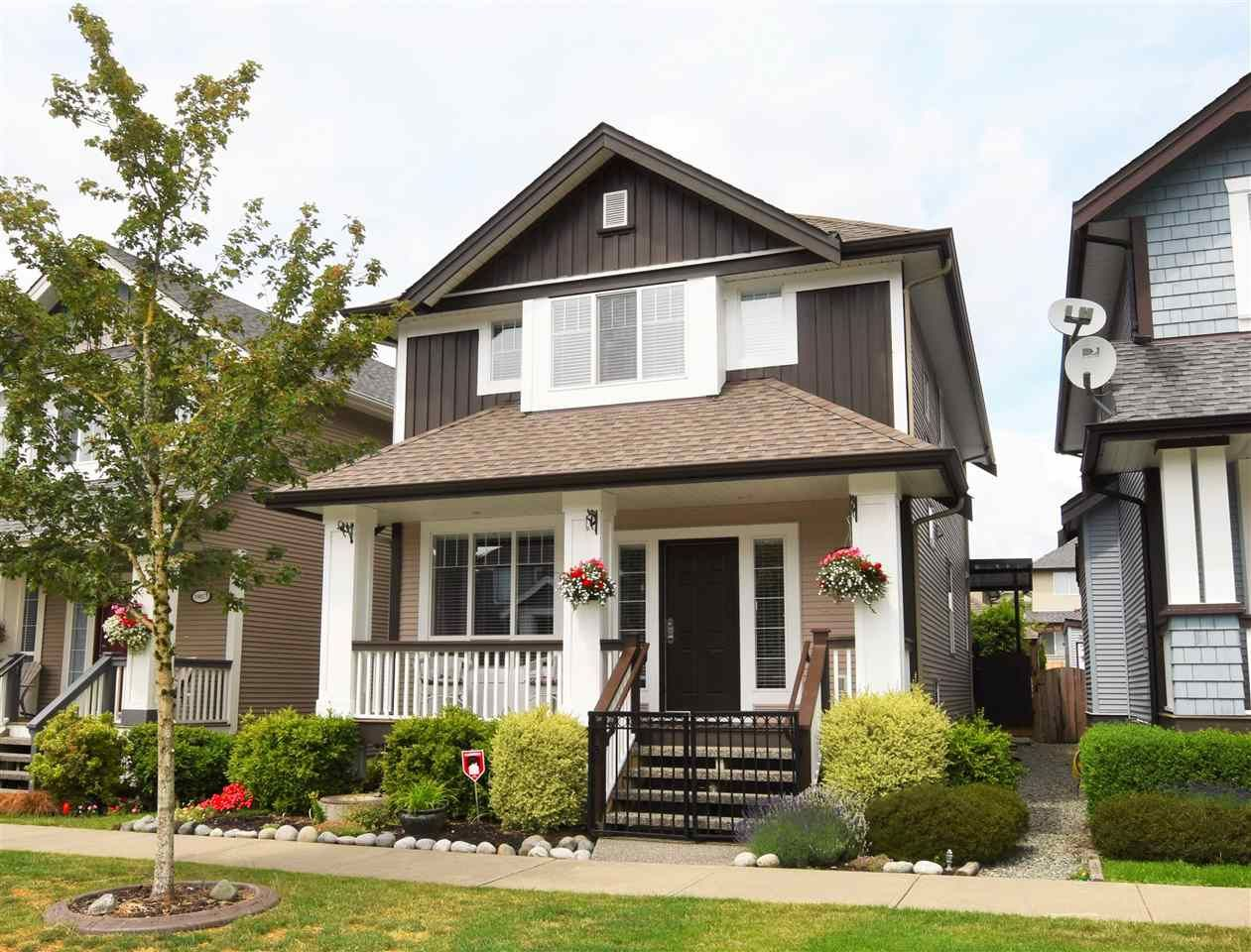 Main Photo: 19077 69 Avenue in Surrey: Clayton House for sale (Cloverdale)  : MLS®# R2074967
