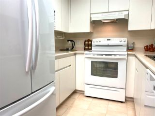 """Photo 15: 1101 10899 UNIVERSITY Drive in Surrey: Whalley Condo for sale in """"THE OBSERVATORY"""" (North Surrey)  : MLS®# R2570183"""