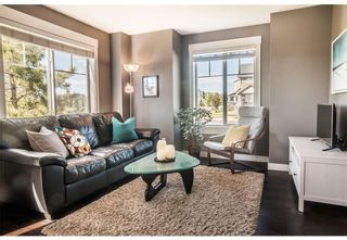 Photo 4: 95 West Coach Manor SW in Calgary: West Springs Row/Townhouse for sale : MLS®# A1114599