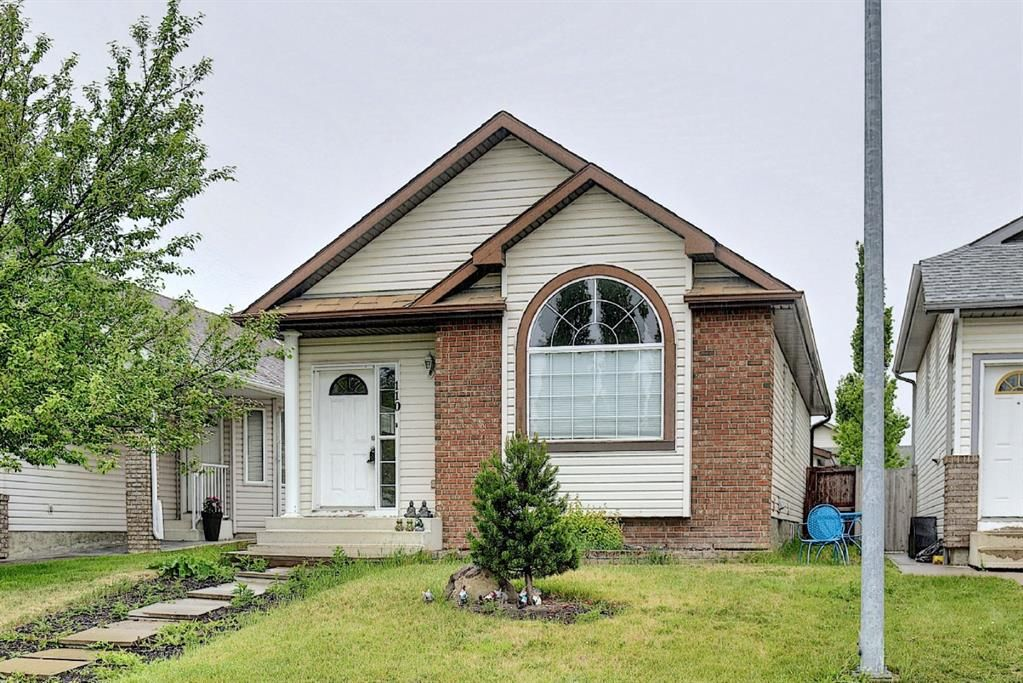 Main Photo: 110 Coverton Close NE in Calgary: Coventry Hills Detached for sale : MLS®# A1119114