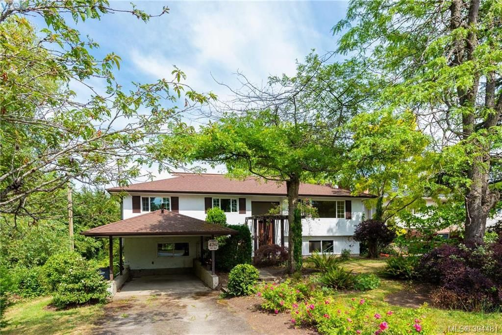 Main Photo: 4261 Carey Rd in VICTORIA: SW Northridge House for sale (Saanich West)  : MLS®# 790811