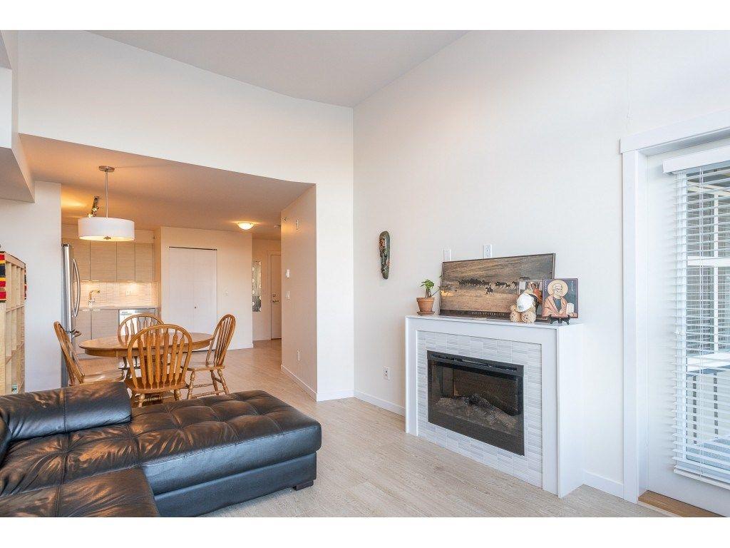 Photo 18: Photos: 405 19201 66A AVENUE in Surrey: Clayton Condo for sale (Cloverdale)  : MLS®# R2529240