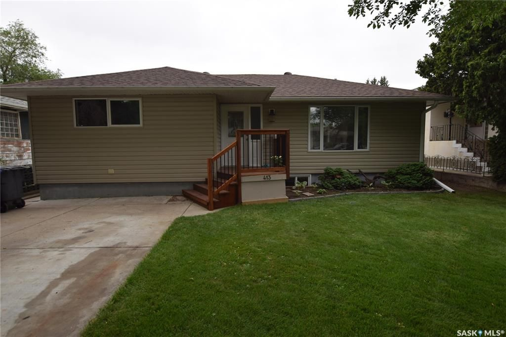 Main Photo: 413 112th Street West in Saskatoon: Sutherland Residential for sale : MLS®# SK864508