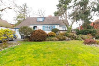Photo 26: 1020 W Burnside Rd in : SW Strawberry Vale House for sale (Saanich West)  : MLS®# 859486