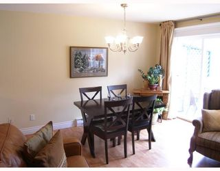 "Photo 3: 10 39920 GOVERNMENT Road in Squamish: Garibaldi Estates Townhouse for sale in ""SHANNON ESTATES"" : MLS®# V758316"