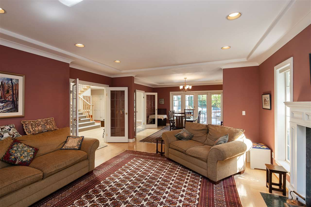 Photo 4: Photos: 1988 ACADIA Road in Vancouver: University VW House for sale (Vancouver West)  : MLS®# R2536524
