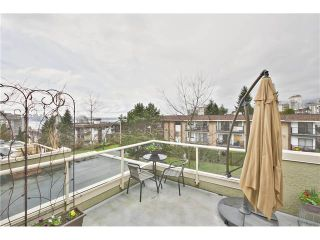 """Photo 18: 520 ST GEORGES Avenue in North Vancouver: Lower Lonsdale Townhouse for sale in """"STREAMLINE PLACE"""" : MLS®# V1067178"""