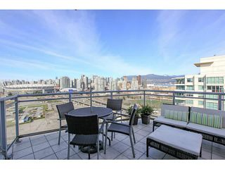 """Photo 14: 2206 120 MILROSS Avenue in Vancouver: Mount Pleasant VE Condo for sale in """"THE BRIGHTON"""" (Vancouver East)  : MLS®# V1108623"""