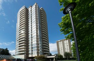 """Photo 2: 506 5885 OLIVE Avenue in Burnaby: Metrotown Condo for sale in """"METROPOLITAN"""" (Burnaby South)  : MLS®# R2167296"""