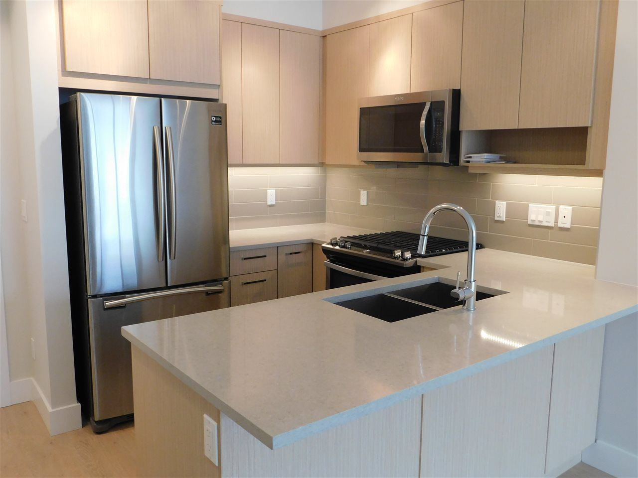 """Main Photo: 309 1306 FIFTH Avenue in New Westminster: Uptown NW Condo for sale in """"WESTBOURNE"""" : MLS®# R2299168"""