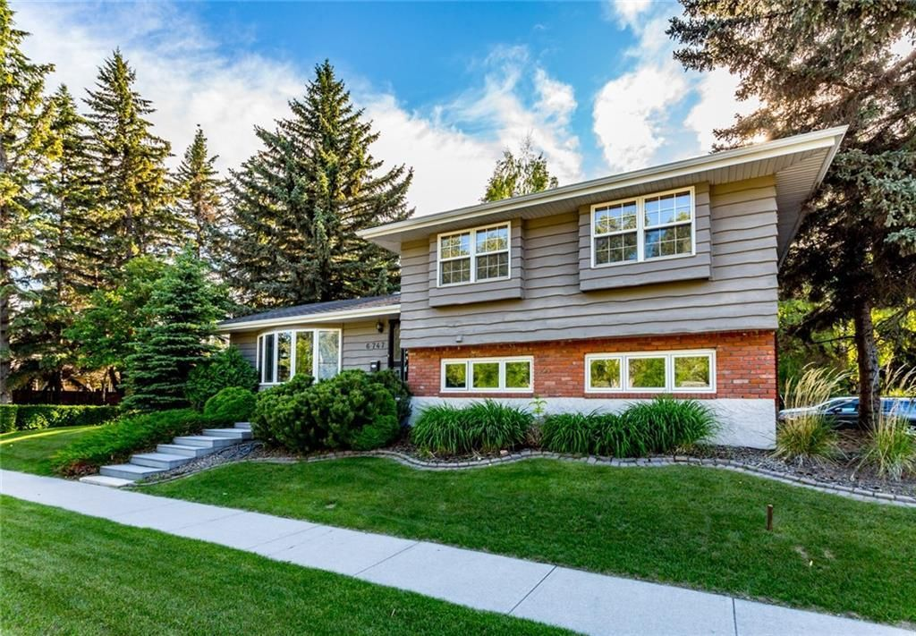 Main Photo: 6747 Leeson Court SW in Calgary: Lakeview Detached for sale : MLS®# A1076183