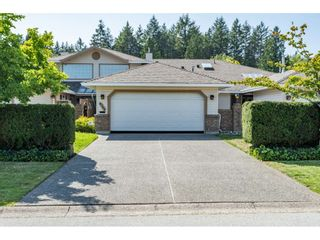 """Photo 2: 9769 148A Street in Surrey: Guildford Townhouse for sale in """"Chelsea Gate"""" (North Surrey)  : MLS®# R2394189"""