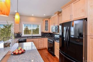 Photo 2: 942 Arngask Ave in VICTORIA: La Bear Mountain House for sale (Langford)  : MLS®# 806607