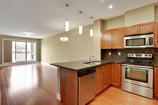 Photo 2: 216 45 Street NW in Montgomery Place: Apartment for sale : MLS®# C4018514
