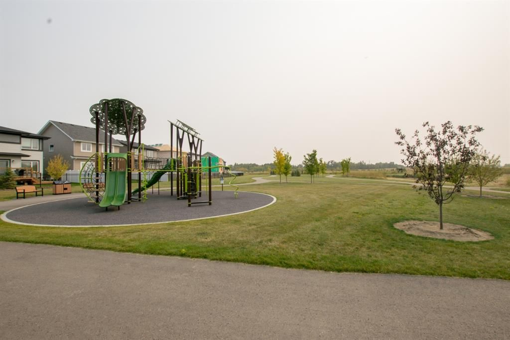 Photo 7: Photos: 30 Memorial Parkway in Rural Red Deer County: Liberty Landing Residential for sale : MLS®# A1060282