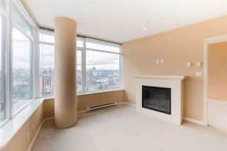 "Photo 7: 3208 892 CARNARVON Street in New Westminster: Downtown NW Condo for sale in ""Azure II"" : MLS®# R2533598"