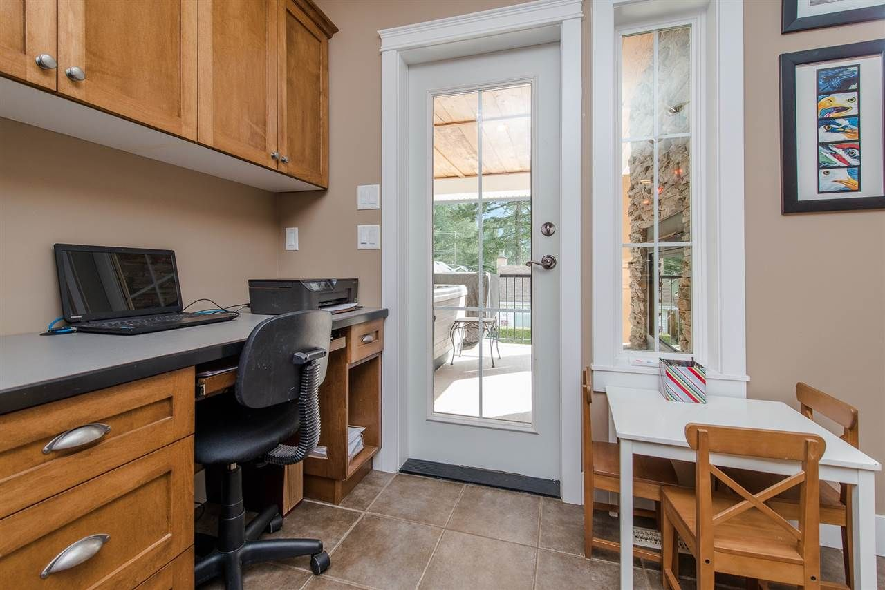 "Photo 18: Photos: 416 MAPLE Street: Cultus Lake House for sale in ""Cultus lake Park"" : MLS®# R2493541"