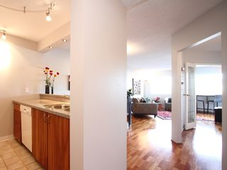 """Photo 8: 404 1510 W 1ST Avenue in Vancouver: False Creek Condo for sale in """"MARINERS POINT"""" (Vancouver West)  : MLS®# V919317"""