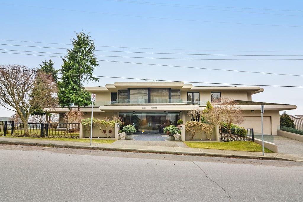 Main Photo: 201 15050 PROSPECT Avenue: White Rock Condo for sale (South Surrey White Rock)  : MLS®# R2135776