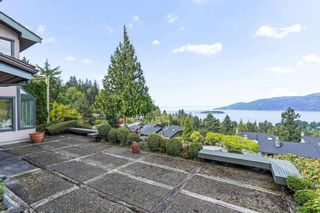 """Photo 29: 5220 TIMBERFEILD Lane in West Vancouver: Upper Caulfeild House for sale in """"Sahalee"""" : MLS®# R2574953"""